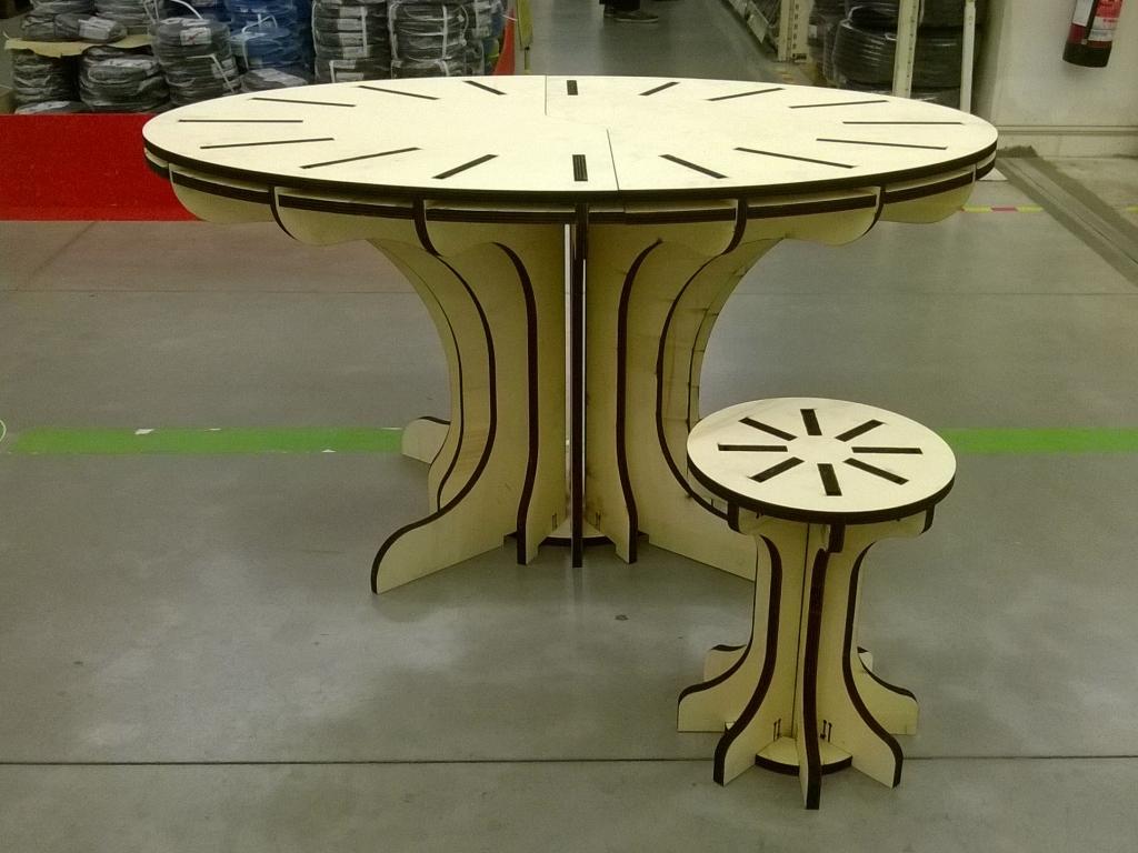 "Stool & Table ""GOTICO"""