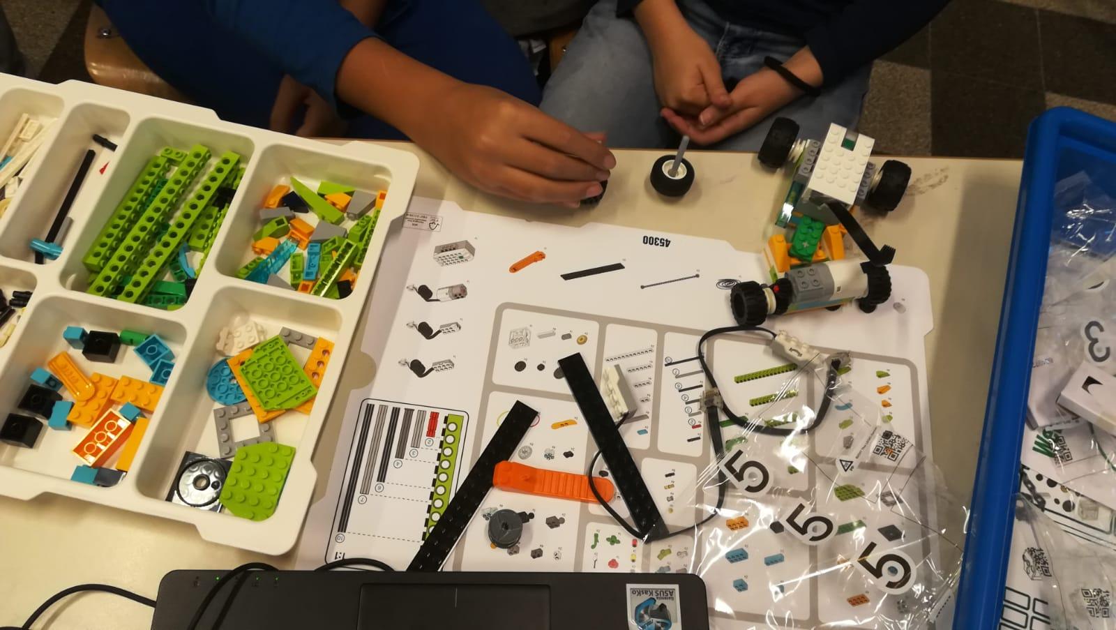 pon-fablab-palermo-scuola-coding-robotica-stampa3d-scratch-lego-wedo